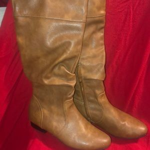 NWOT Tan Boots